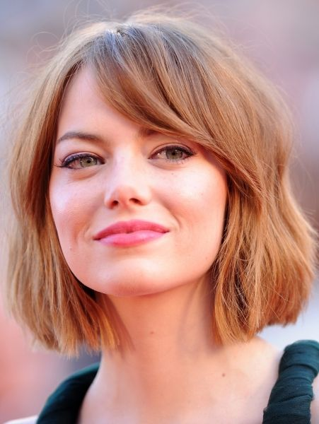 Emma Stone and her new hair! It looks great on her!