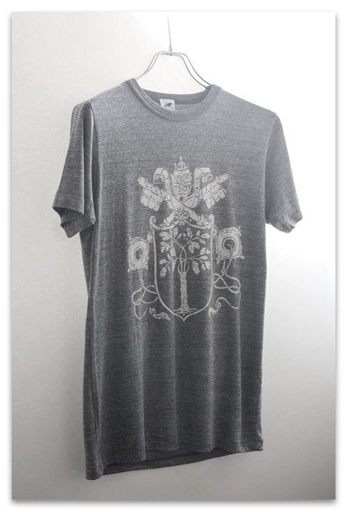 GRAPHIC NO.028 Vatican markヴァチカン美術館のアートモチーフマークをアレンジベースメントTシャツUnited Athle 1090-...|ハンドメイド、手作り、手仕事品の通販・販売・購入ならCreema。