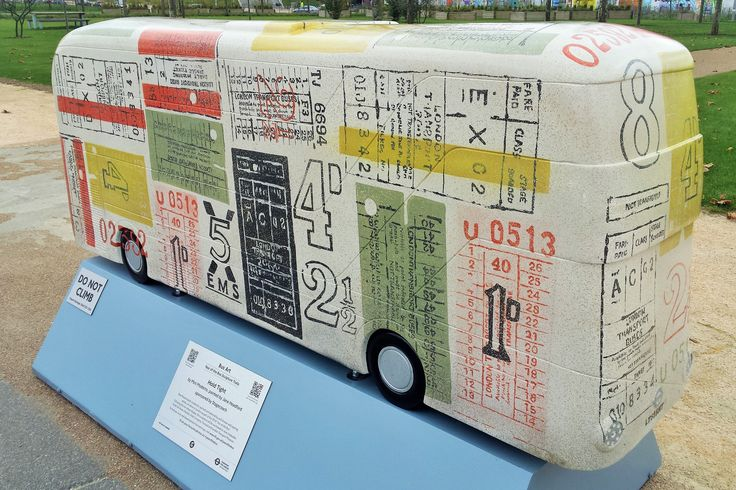 Year_of_the_Bus_sculpture_trail_-_QEOP_06.jpg 3,863×2,576 pixels