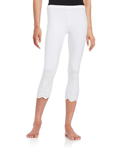 HUE Eyelet-Trim Capri Leggings