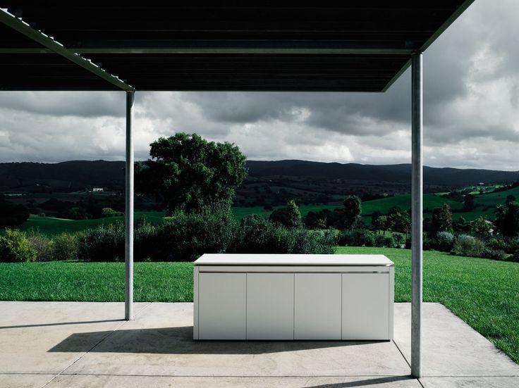CUCINA DA ESTERNO IN CORIAN® K2 OUTDOOR BY BOFFI | DESIGN NORBERT WANGEN