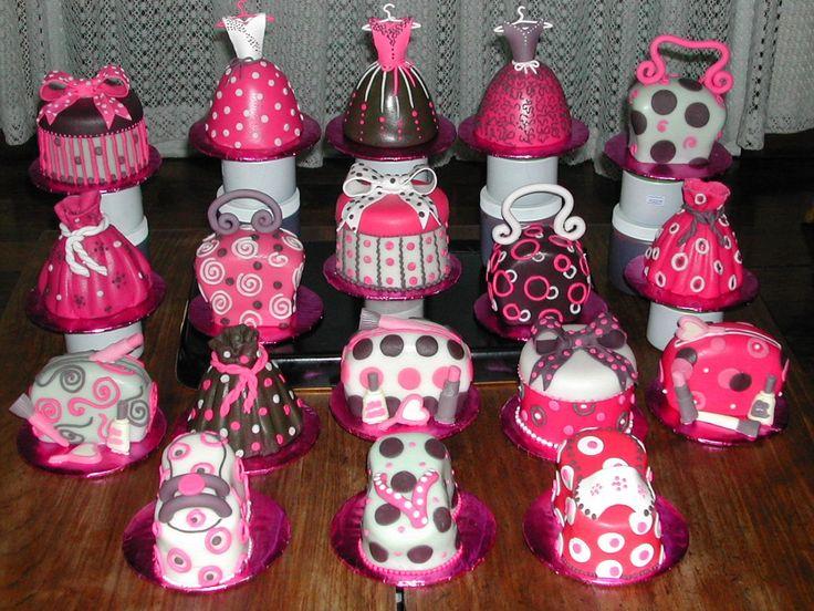 18 mini cakes for debutante   DEBUTANT'S PARTY   Pinterest ...