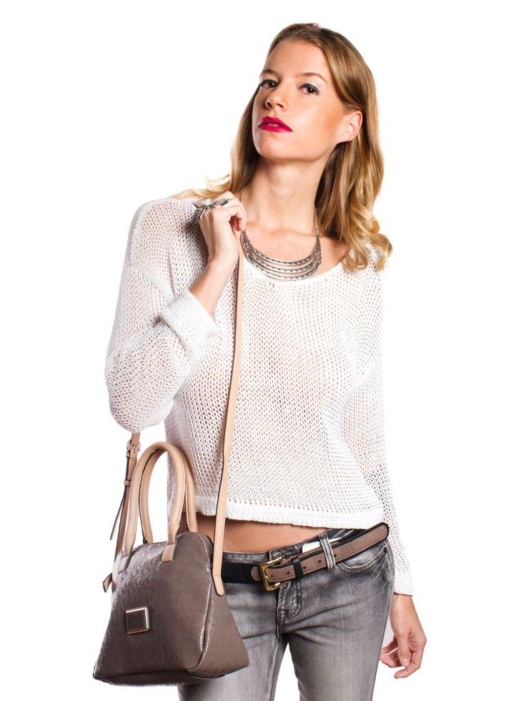 Adquiere Aquí Moda GUESS  www.clickonero.com.mx ... El estilo personal marcan tu día a día #moda #fashion #guapa #estilo #mujer #casual #ropa #estilo #guess