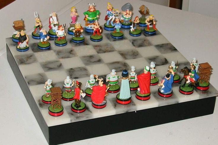 Asterix Chess Set