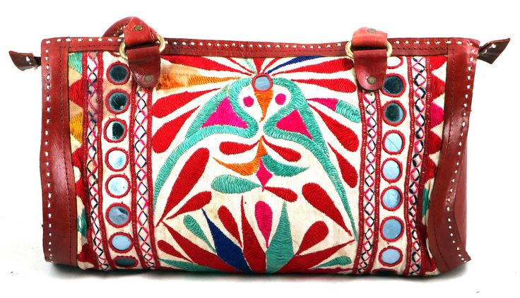 · Handmade item Available in different color. A coin purse, a wallet, or a clutch, this leather purse is as versatile as it is useful. Buy this hand-crafted purse as a souvenir for yourself or as a unique gift for a friend. Zipper all along the t