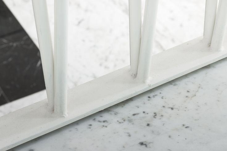 Progetto di Arkedile www.arkedile.it e realizzato da ferro&vetroLAB www.ferroevetrolab.it parapetto scale ferro