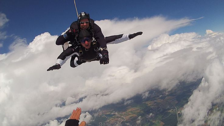 Great fun ever time. Tandem Skydive Tandemmichl