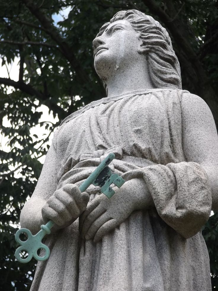#Cemeteries- Knippenberg statue at the Crown Hill Cemetery in Indianapolis, Indiana (Marion Co.) (1/1) (c) The Funeral Source, photo: Ken Naegele #cemetery, #cemterystatue,