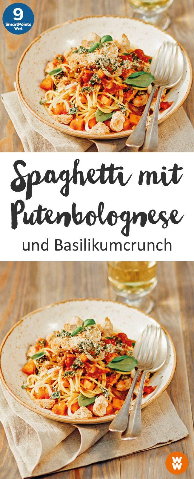 Spaghetti mit Putenbolognese und Basilikumcrunch, Pasta, Hauptgericht, Bolognes | Weight Watchers
