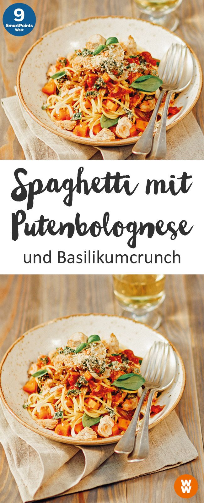 Spaghetti mit Putenbolognese und Basilikumcrunch, Pasta, Hauptgericht, Bolognes …