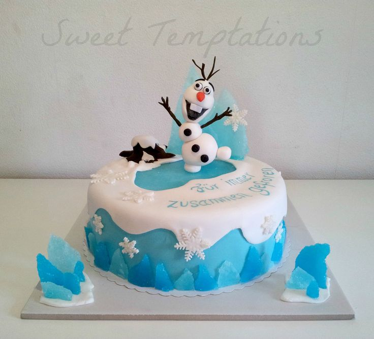 Frozen cake with Olaf ;)Cake is filled with vanillasponge and...