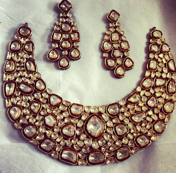 Magnificent Polki necklace by Umrao Jewellers via Instagram