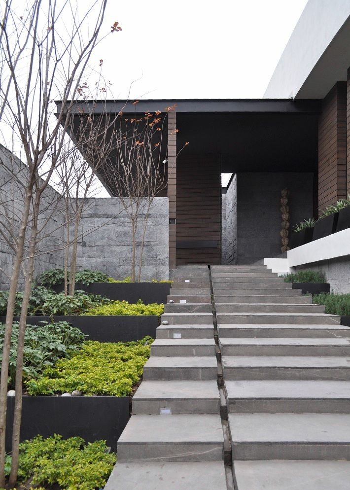 1000 ideas about courtyard entry on pinterest iron for Courtyard landscaping melbourne