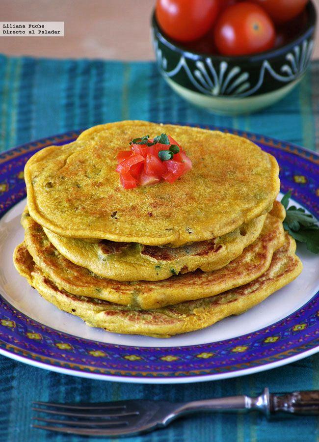 Después de ver muchas recetas similares en blogs de cocina india y vegetariana, por fin he podido cocinar con la llamada besan, harina de garbanzo...