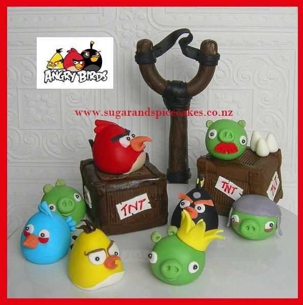 Angry birds cake toppers cake pops pinterest for Angry birds cake decoration