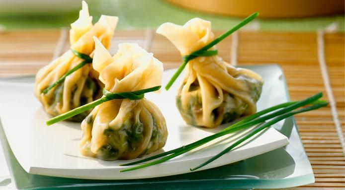 Money bags #appetizer Dim Sum with Spinach and Mung Beans #recipe by @finedininglover