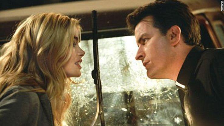 Sheen néha bukkant fel filmeket a 2000-es években, de nem az a szint a & # 39; 80-as évek munkáját.  Köztük volt & quot; Scary Movie 3, & quot;  itt látható a Denise Richards, & quot; Scary Movie 4 & quot;  és a & quot; Scary Movie 5. & quot;