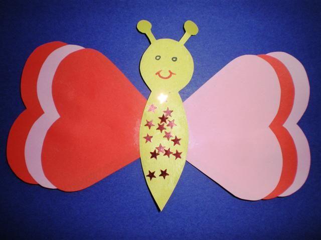 Knutselopdrachten.nl | Knutselen: Vlinder van hartjes