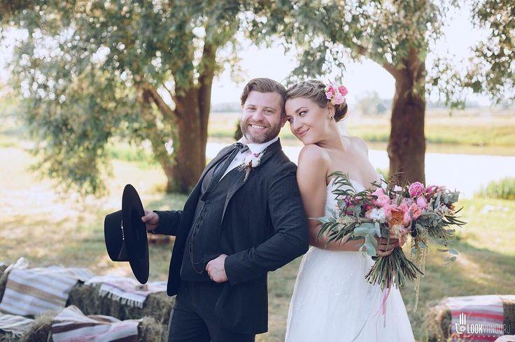 Когда глаза светятся от счастья✨  #невеста #невестаказань #фотосессияказань #казань #никах #никахказань #свадьбаказань #казаньфото #фотоказань #свадьбавказани #фотографказань #свадебныйфотографказань #жених #невеста #любовь #счастье #lookyanov #фотографнаникахказань #wed #wedding #weddingday #theweddingpic #groom #flowers #top10photokazan #bride #cosmosalenawedding