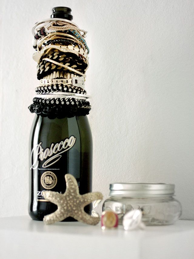 I Spy DIY. Bracelet holder bottle