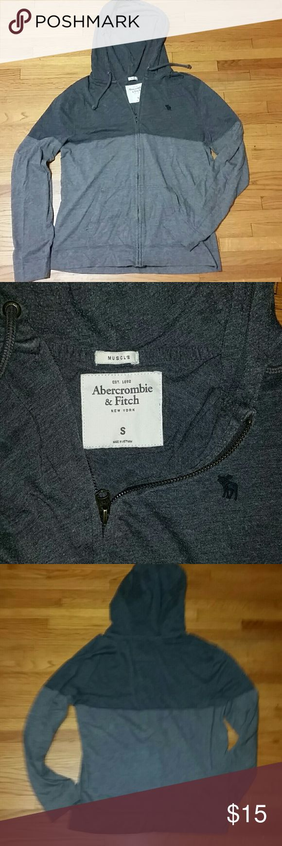 Abercrombie & Fitch size small grave condition Abercrombie & Fitch Grey zip-up hoodie size small men's great condition Abercrombie & Fitch Jackets & Coats