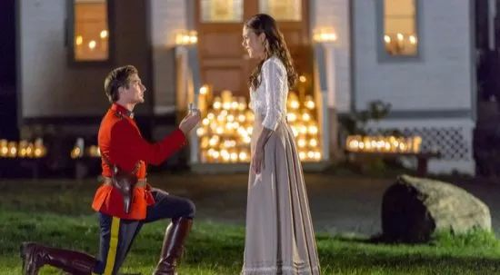 Daniel Lissing proposing to Erin Krakow on When Calls the Heart