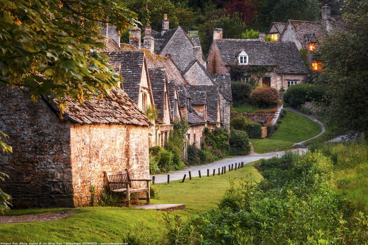 https://flic.kr/p/DQdneU | Weavers Cottages at Arlington Row (built in 1380), Bibury, Cotswolds, Gloucestershire, England