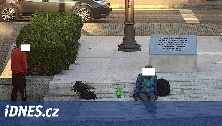 Za močení u pomníku Díky, Ameriko! musí cizinec zaplatit pět tisíc