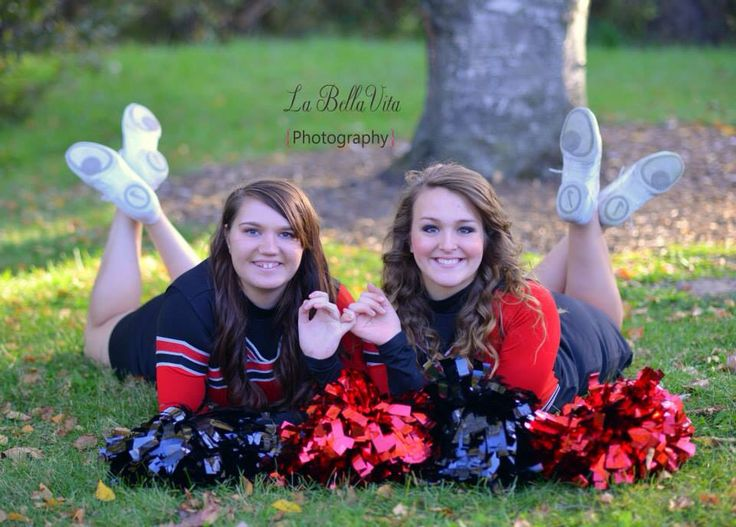 Senior cheerleader bestfriends! :-) I have to have this picture!