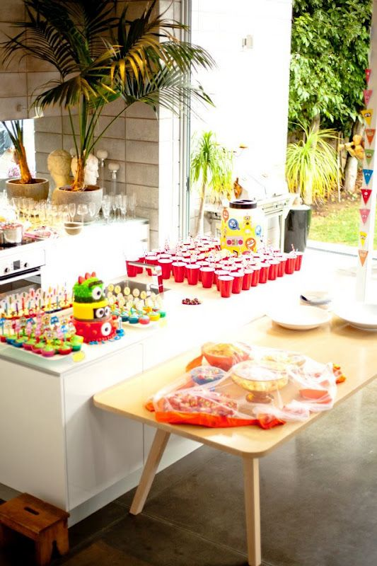 Birthday Party Idea—Yo Gabba Gabba