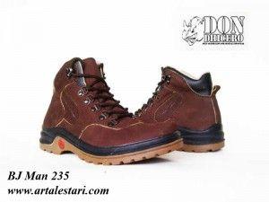 Sepatu Semi Boot Pria  Kontak Kami: Holine / SMS : 081315979176 BBM : 224A1F27