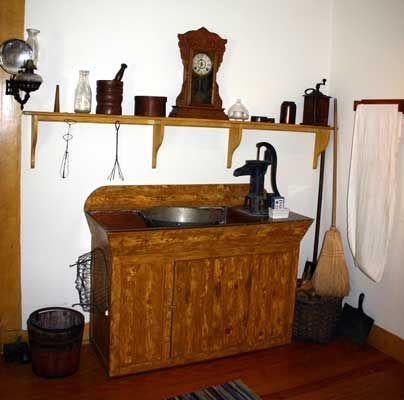 old hand pump at kitchen sink | http://www.westporthistory.org ...