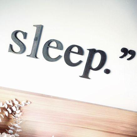 Palabra En Madera. Sleep by 27 Lletres de Sant Cugat del Vallés (Barcelona)