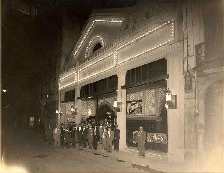 Fundado em 1927 pela empresa Bunge o Cine São Bento foi a primeira sala oficial de exibição dos filmes da Paramount capital paulista. Conheça a sua história e veja fotografias inéditas.