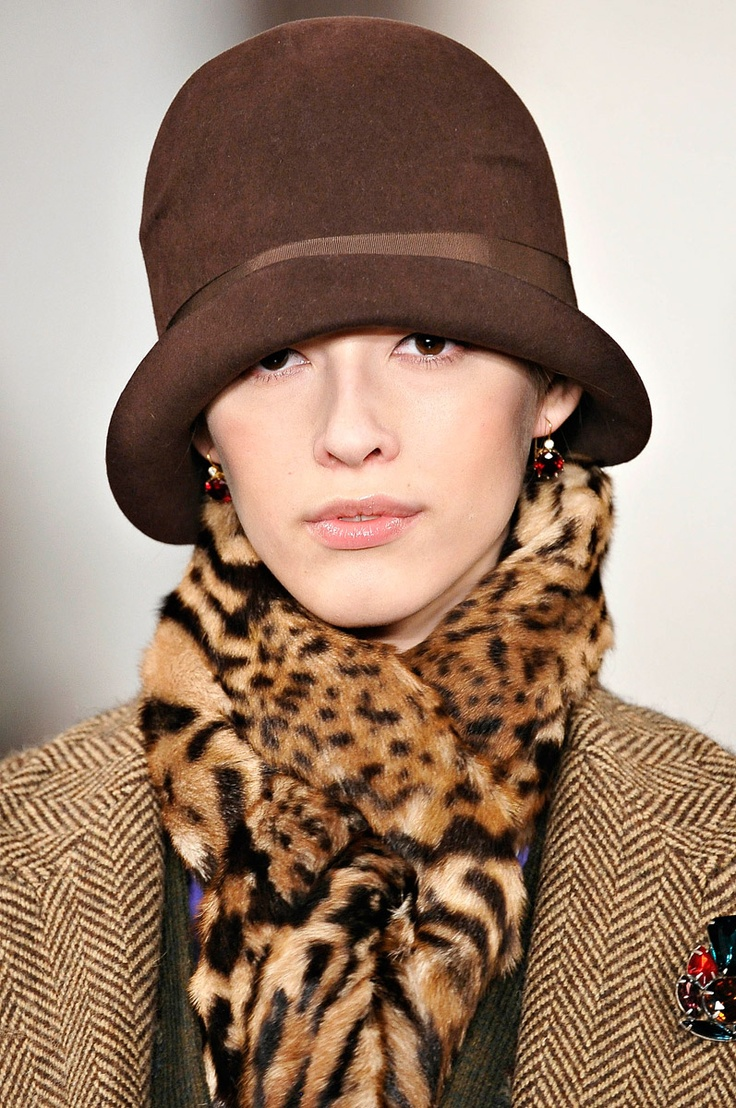 kate_laurie:  Ralph Lauren осень-зима 2012-2013   Comfy and in style....animal print neck warmer with solid soft and head topper