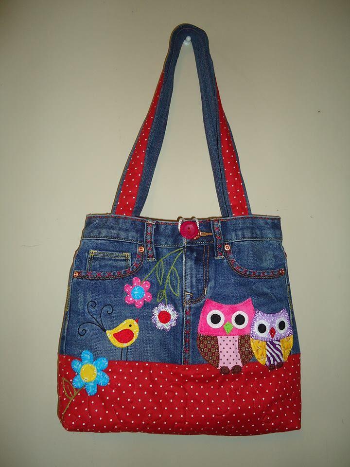 Bolso vaquero con aplicaciones de búho combinando distintas telas. Denim bag with owls applique