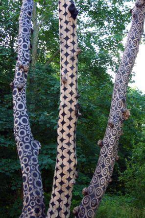 Stuart Frost: patterns by scorching (un-living trees): Trees Trunks, Art Patterns, Trees Art, Dead Trees, Environmental Art, Wood Design, Stuart Frostings, Art Installations, Land Art