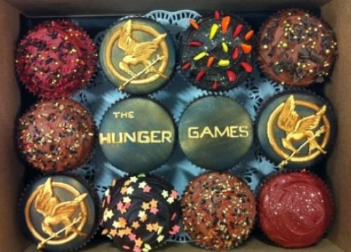 Hunger Games Cup CakesBirthday Presents, Hunger Games Parties, The Hunger Games, Food, Games Cupcakes, Hungergames, Yummy, Book Series, Cupcakes Rosa-Choqu