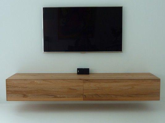 zwevend audio meubel uitgevoerd in iepen hout