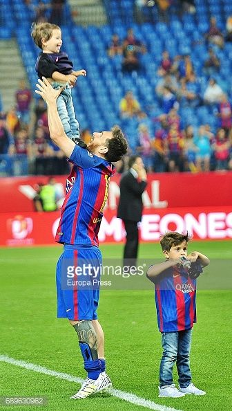 Leo Messi and his sons Thiago Messi and Mateo Messi attend the Copa del Rey Final match between FC Barcelona and Alaves FC at Vicente Calderon Stadium on May 28, 2017 in Madrid, Spain.