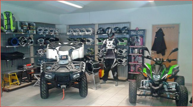 Umzug: Quadparts wird zu Moto Style Umzug nach Ötztal Bahnhof, größerer Schauraum und Werkstatt und ein neuer Name: Quadparts wird zu Moto Style http://www.atv-quad-magazin.com/aktuell/umzug-quadparts-wird-zu-moto-style/
