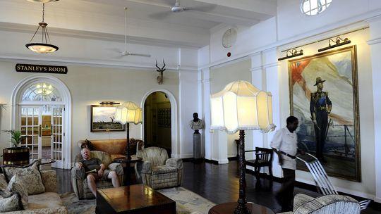 Die Lobby des Victoria Falls Hotel in Victoria Falls, Simbabwe
