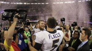 Los Ravens de Baltimore se coronan como los campeones de la NFL al vencer 34-31 a los 49ers de San Francisco.    El equipo de futbol americano de Baltimore, los Ravens, derrotaron a los 49avos de San Francisco con un cuadro de 34-31.    Joe Flacco, considerado como el 'Jugador más valioso', realizó tres pases de 'touchdown, logrando 11 ...