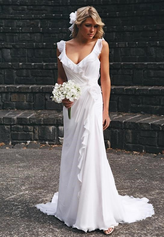1000  images about Wedding dresses on Pinterest  Lace beach ...
