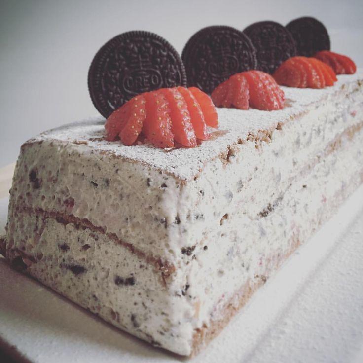 13 vind-ik-leuks, 3 reacties - Taartmevrouw (@taartmevrouw) op Instagram: 'Oreo lasagne.. Nieuw idee, goed gelukt! Recept volgt op mijn site. #oreo #lasagne #strawberry #cake'