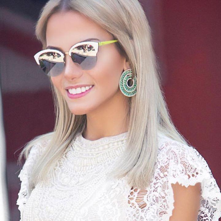 A #blogueira @fesena esta arrasando em #Miami com seus novos #oculosdesol #dior Gostou? Vem buscar o seu nas #oticaswanny #fesena #blog #dior #diorrun #diorun #oculosdior #oculos #compreoseu