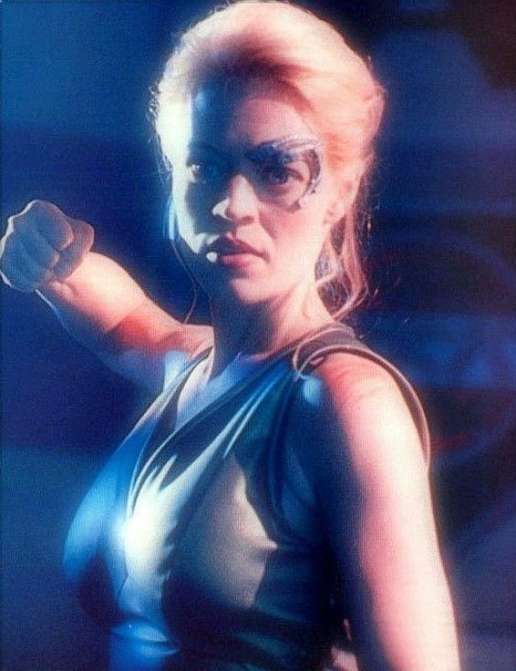 Rough and tough 7 of 9   ST:V [ == Jeri Ryan / Seven of Nine / Star Trek: Voyager / 37DD of Nine / 38-of-D /  / 38-of-D /  6-of-9 / Tette di Nove / Barbie Borg  ==]