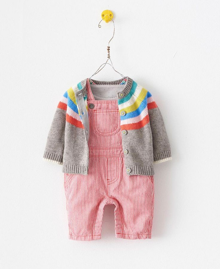 """""""Mi piace"""": 2,032, commenti: 48 - Boden (@boden_clothing) su Instagram: """"Today's forecast: 100% chance of cuddles. Discover more highly huggable baby knits in our Instagram…"""""""