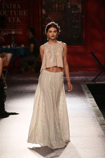 Monisha Jaising Collection 2014 | Vogue Wedding Show 2014