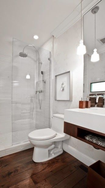13 Banheiros com Piso de Madeira!